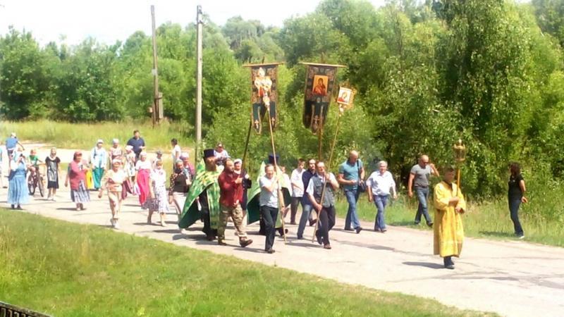 Крестный ход в день освящения Закладного Камня для строительства нового храма в селе Салтановка