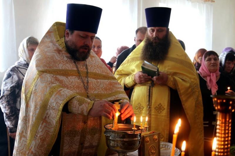 первая Божественная литургия в церкви Иоанна Богослова, село Салтановка