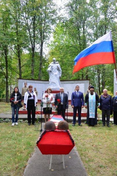 Торжественная церемония перезахоронения останков воинов в селе Салтановка
