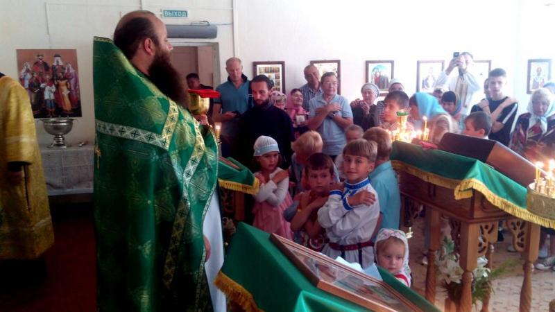 Божественная литургия в день освящения Закладного Камня, село Салтановка
